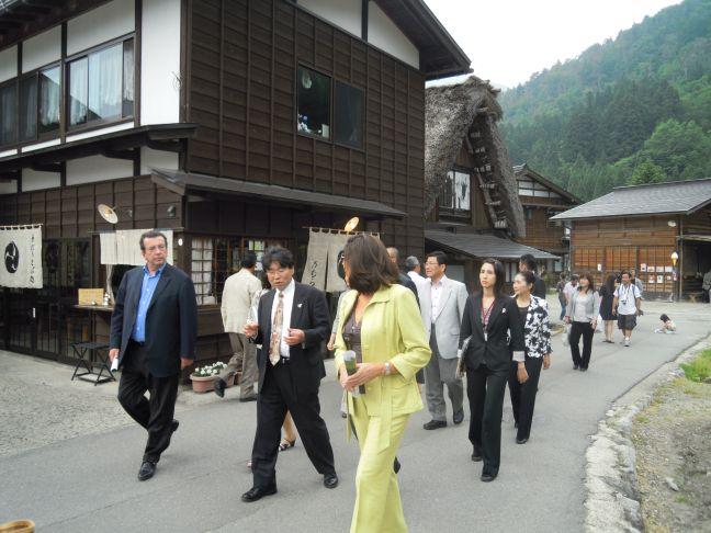 Shirakawago_promenade_dans_le_villa
